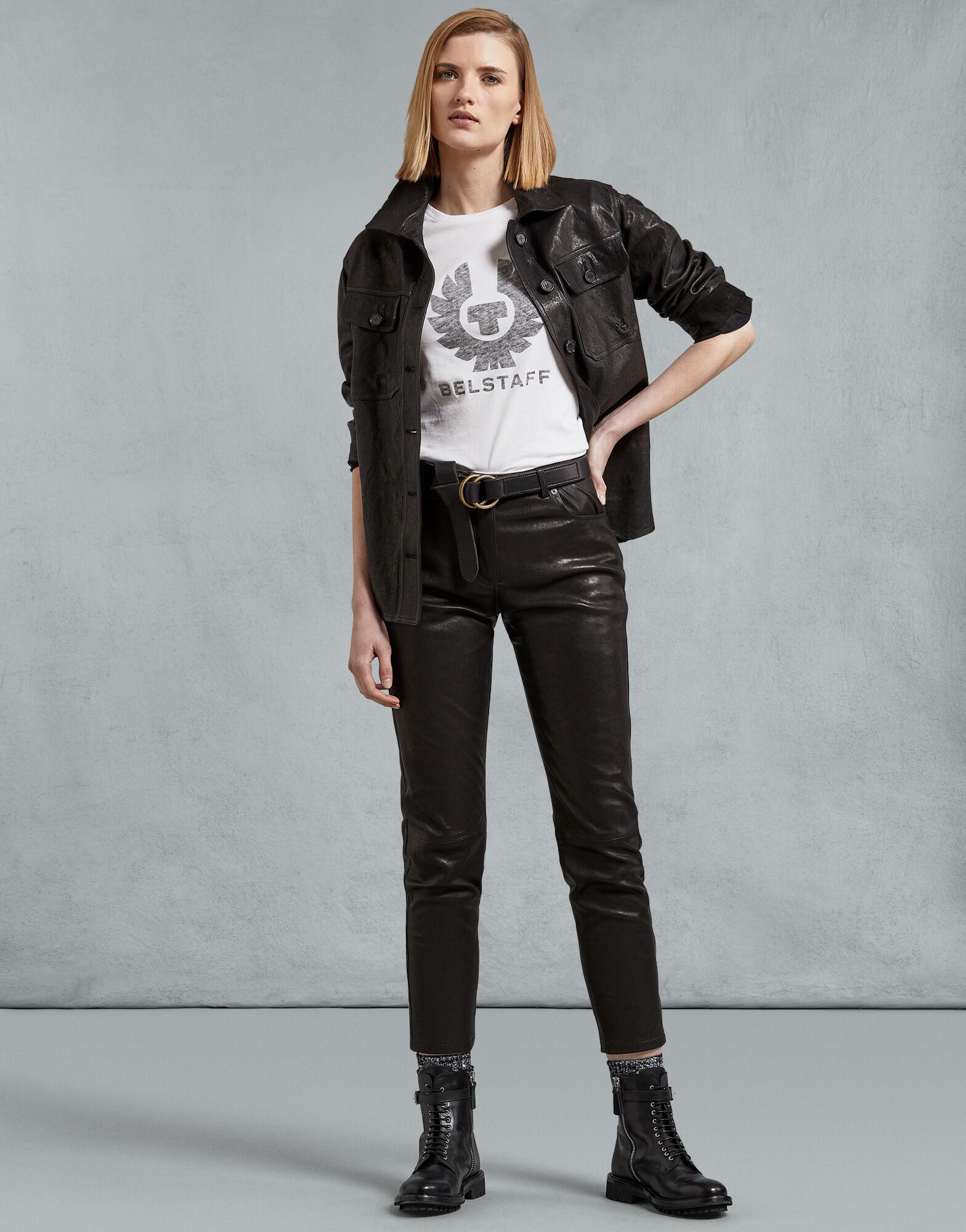 'Mariola Phoenix' T-Shirt aus leichtem, weichem Baumwolljersey ist ein klassisches Basic. Das schlichte Design mit kurzen Ärmeln und Rundhalsausschnitt überzeugt durch seinen durchscheinenden Belstaff Phönix-Print